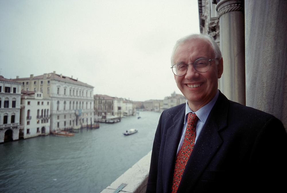 22 NOV 1996 - Venezia - Paolo Costa, Ministro dei Trasporti - Ex-rettore dell'Università di Ca' Foscari, poi sindaco di Venezia