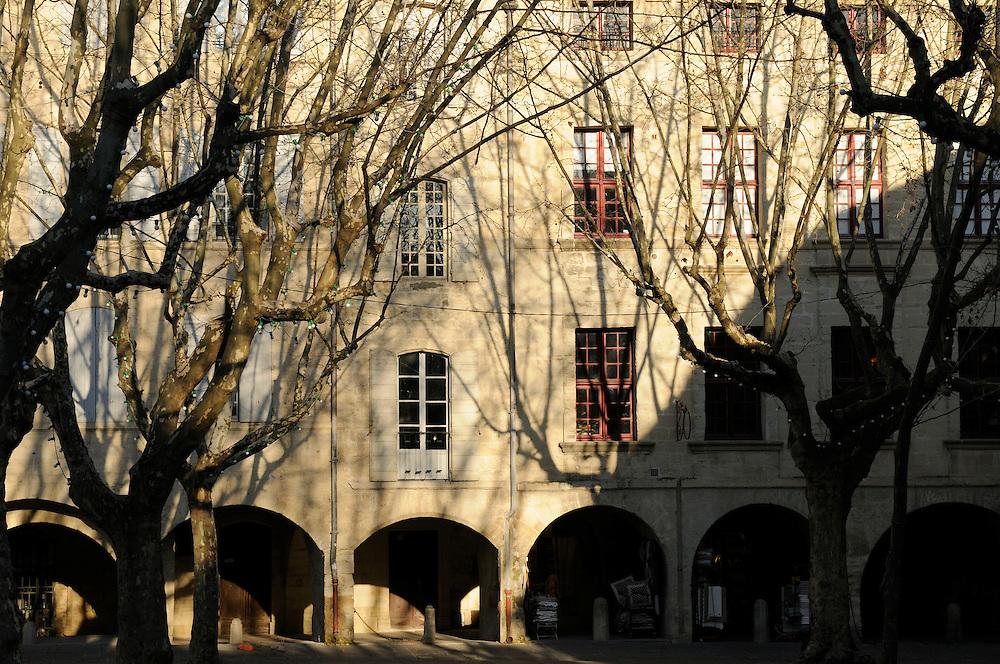 France, Languedoc Roussillon, Gard, Uzès, la place aux herbes