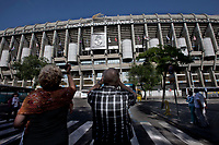 Some tourists take photographs at the Santiago Bernabeu Stadium, It is Real Madrid' Stadium. May 14, 2014. (ALTERPHOTOS/Caro Marin) Real Madrid and Atletico de Madrid will play the final of the Champions League in Lisbon the next 24th of May. It is the first time in the final of the Champions League that two teams are from the same city.