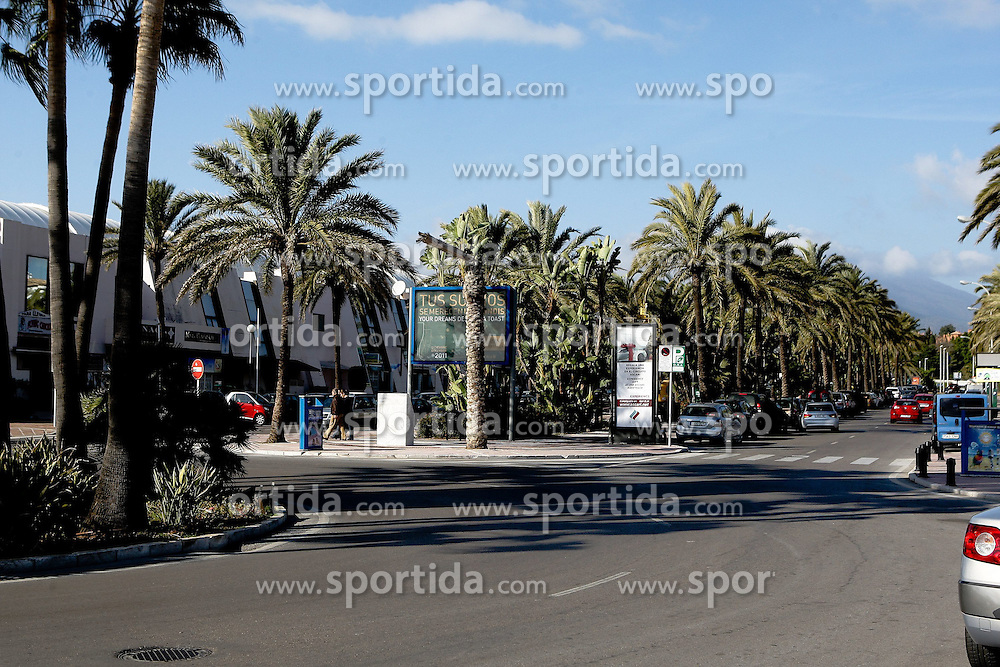 08.01.2012, Puerto Banus, Andalusien, ESP, Puerto Banus, im Bild Palmen an der Strasse Puerto Banus, Andalusien, Spanien. EXPA Pictures © 2012, PhotoCredit: EXPA/ Eibner Pressefoto/ Latendorf..ATTENTION - GERMANY OUT! *****