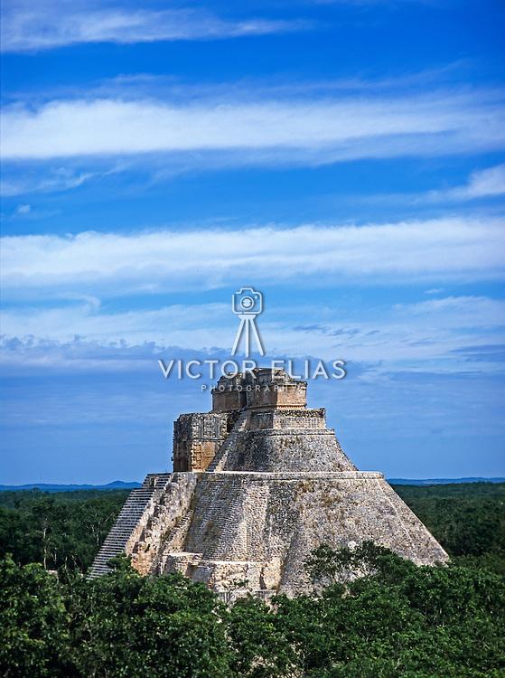 Templo del Adivino. Uxmal. Yucatan, Mexico.