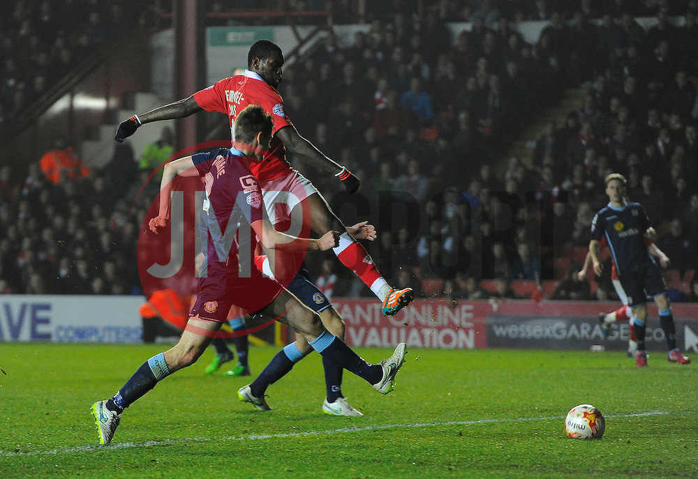 Bristol City's Jay Emmanuel-Thomas Shoots  - Photo mandatory by-line: Joe Meredith/JMP - Mobile: 07966 386802 - 17/03/2015 - SPORT - Football - Bristol - Ashton Gate - Bristol City v Crewe Alexandra - Sky Bet League One