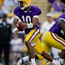 18 April 2009: LSU quarterback Russell Shepard (10) looks to make a handoff during the 2009 LSU spring football game at Tiger Stadium in Baton Rouge, LA.
