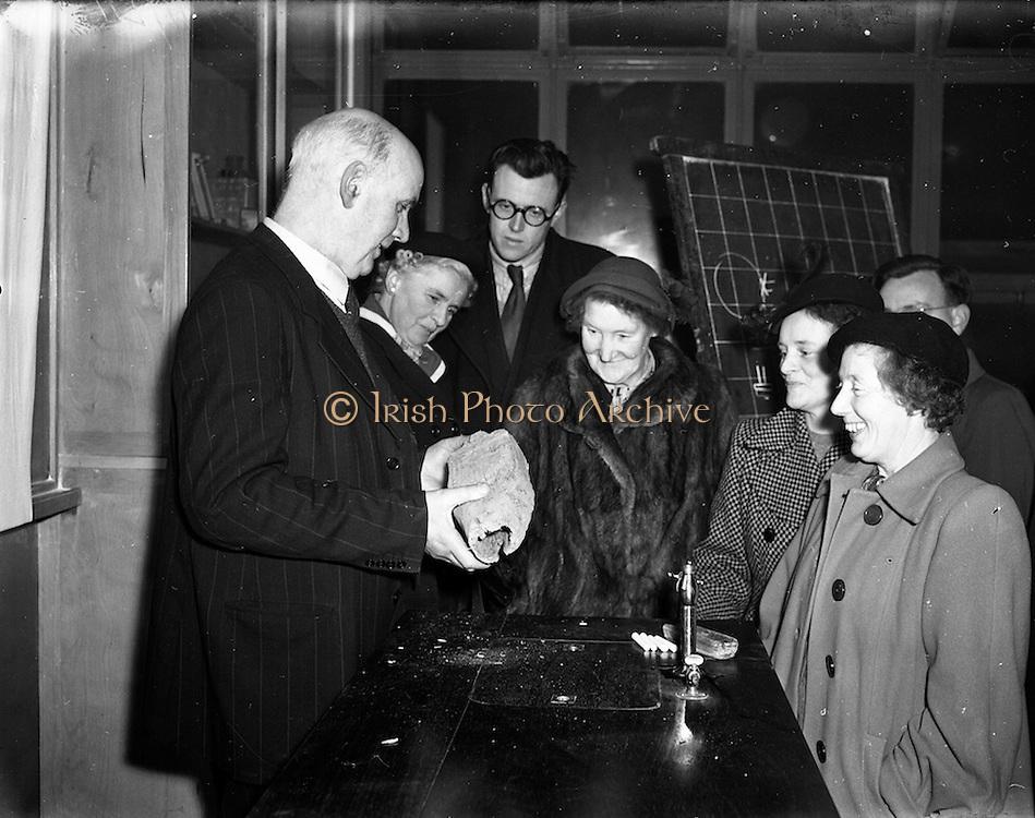 19/01/1953<br /> 01/19/1953<br /> 19 January 1953<br /> Mr. D. O'Carroll, (Peadar O'Connor) of Radio Eireann, a Course for Handymen at North Strand, Dublin.