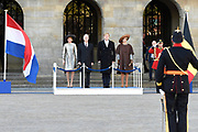 Staatsbezoek aan Nederland van Zijne Majesteit Koning Filip der Belgen vergezeld door Hare Majesteit Koningin <br /> Mathilde aan Nederland.<br /> <br /> State Visit to the Netherlands of His Majesty King of the Belgians Filip accompanied by Her Majesty Queen<br /> Mathilde Netherlands<br /> <br /> op de foto / On the photo: Koning Willem Alexander en koningin Maxima ontvangen de Belgische koning Filip en koningin Mathilde bij het paleis op de Dam voor een drie daags staatsbezoek  ////  King Willem Alexander and Queen Maxima received the Belgian King Philippe and Queen Mathilde at the palace on Dam Square for a three-day state visit