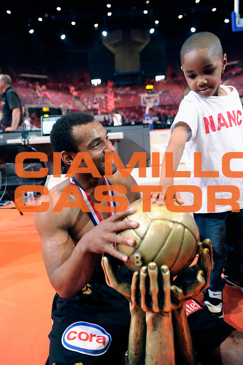 DESCRIZIONE : Championnat de France Basket Ligue Pro A Finale <br /> GIOCATORE : Deane Willie<br /> SQUADRA : Nancy<br /> EVENTO : Ligue Pro A  2010-2011<br /> GARA : Cholet Nancy<br /> DATA : 11/06/2011<br /> CATEGORIA : Basketbal France Ligue Pro A<br /> SPORT : Basketball<br /> AUTORE : JF Molliere par Agenzia Ciamillo-Castoria <br /> Galleria : France Basket 2010-2011 Action<br /> Fotonotizia : Championnat de France Basket Ligue Pro A Trophee<br /> Predefinita :