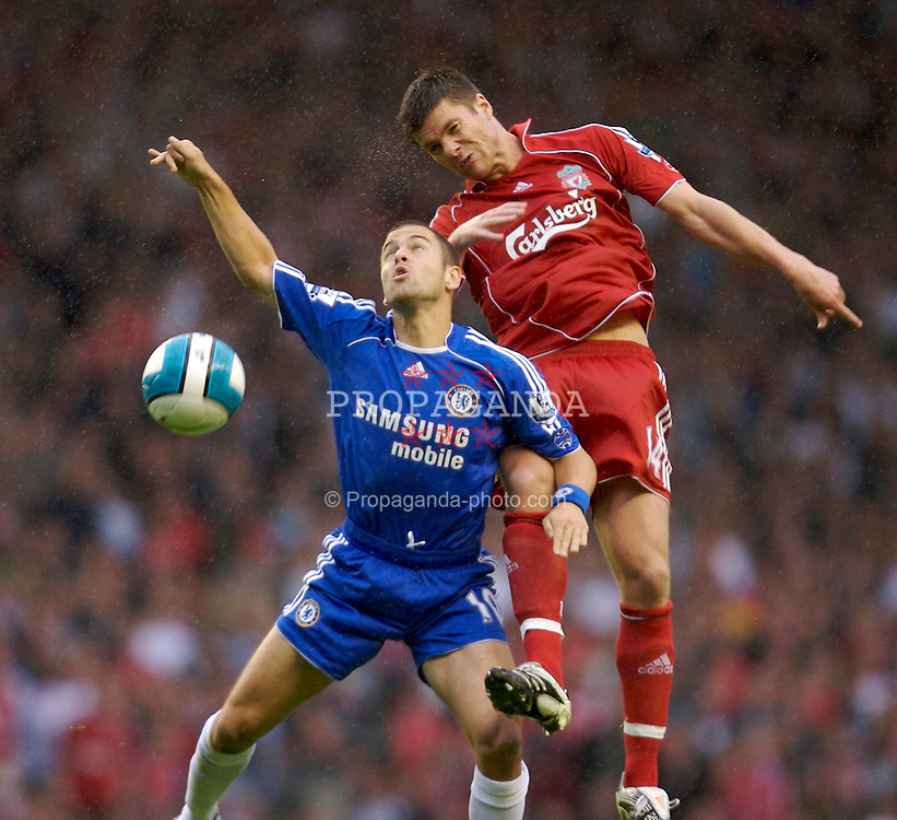 Liverpool, England - Sunday, August 19, 2007: Liverpool's Xabi Alonso and Chelsea's Joe Cole during the Premiership match at Anfield. (Photo by David Rawcliffe/Propaganda)