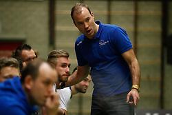 20170125 NED: Beker, Sliedrecht Sport - Seesing Personeel Orion: Sliedrecht<br />Carl Zwijnenburg (3) of Sliedrecht Sport, Paul van der Ven, headcoach of Sliedrecht Sport <br />&copy;2017-FotoHoogendoorn.nl / Pim Waslander
