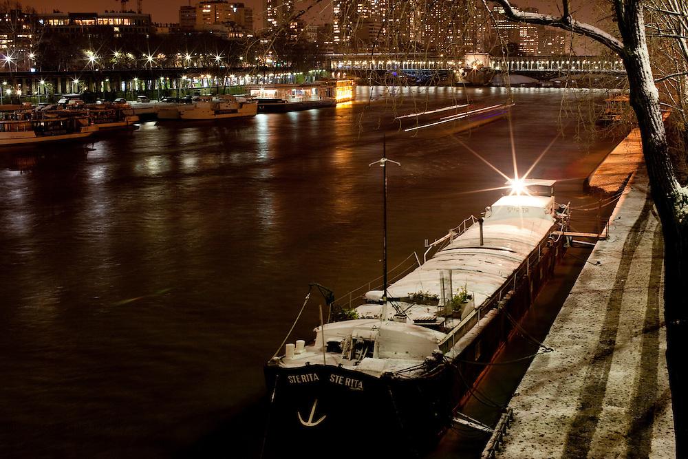 Paris, France. 8 Decembre 2010..Paris, France. December 8th 2010.