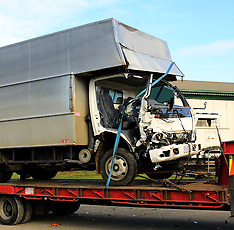 Pukekohe-Trapped truck driver airlifted to hospital