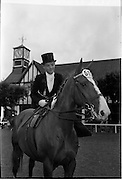 09/08/1962<br /> 08/09/1962<br /> 09 August 1961<br /> RDS Horse Show, Ballsbridge Dublin, Thursday. <br /> Picture shows &quot;Louise&quot;, a hunter mare owned by Mr R.G. Patton of Kilnacloy, Monaghan and ridden by the Marchioness of Headfort, Kells, Co. Meath in the Ladies Hunter Ridden Side-saddle competition at the show.