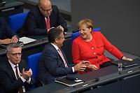 DEU, Deutschland, Germany, Berlin, 05.09.2017: Bundesaussenminister Sigmar Gabriel (SPD) und Bundeskanzlerin Dr. Angela Merkel (CDU) im Deutschen Bundestag.