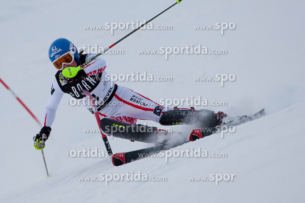 21.12.2010, Stade Emile Allais, Courchevel, FRA, FIS World Cup Ski Alpin, Ladies, Slalom, im Bild Marlies Schild (AUT) attacks a control gate whislt competing in the FIS Alpine skiing World Cup ladies slalom race in Courchevel 1850, France. EXPA Pictures © 2010, PhotoCredit: EXPA/ M. Gunn