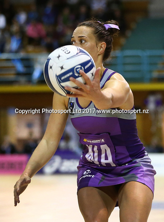 Emma Iversen of the Stars in the ANZ Premiership netball match between the Northern Stars and Skycity Mystics at ASB Kohimarama, Auckland, New Zealand,   Wednesday, May 17, 2017. Copyright photo: David Rowland / www.photosport.nz