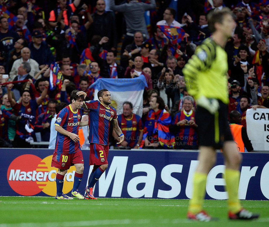 28-05-2011 VOETBAL: CHAMPIONS LEAGUE FINAL FC BARCELONA - MANCHESTER UNITED: LONDON<br /> Lionel Messi makes 2-1 and celebrates with his Teammates<br /> ***NETHERLANDS ONLY***<br /> ©2011- FotoHoogendoorn.nl/nph/M. Pozzetti