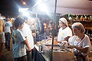 Belo Horizonte_MG, Brasil.. .Barraca de comida mexicana na feira da avenida Atlantida no bairro Castelo em Belo Horizonte, Minas Gerais...Mexican food at the fair on Atlantic Avenue in Castelo avenue in Belo Horizonte, Minas Gerais...Foto: NIDIN SANCHES / NITRO