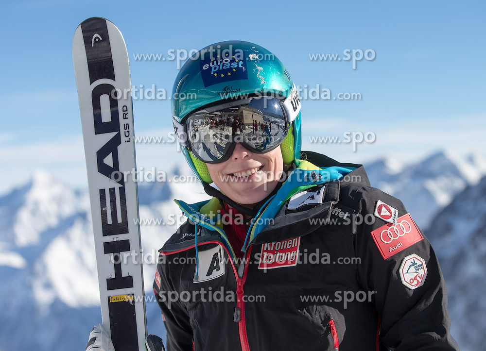 24.10.2014, Rettenbachferner, Soelden, AUT, FIS Weltcup, Ski Alpin, Vorberichte, im Bild Carmen Thalmann (AUT) // Carmen Thalmann of Austria during preperation oft the FIS Ski Alpine Worldcup opening at the Rettenbach Glacier in Soelden, Austria on 2014/10/24. EXPA Pictures © 2014, PhotoCredit: EXPA/ Johann Groder