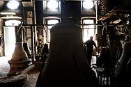 Agnone, Molise - Ad Agnone, la tradizione di forgiare e fondere i metalli rislae a 2500 anni fa, al Medioevo. La fonderia Marinelli, con oltre otto secoli di attivit&agrave;, &egrave; l&rsquo;officina in cui vengno prodotte camoane pi&ugrave; antica del mondo. Ad oggi i Marinelli continuano questa secolare tradizione forgiando campane dai bellissimi rilievi artistici e dalla perfetta sonorit&agrave;. Nel 1924, Papa Pio XI, concesse alla famiglia Marinelli di effiggiarsi dello stemma Pontificio.<br />Ph. Roberto Salomone