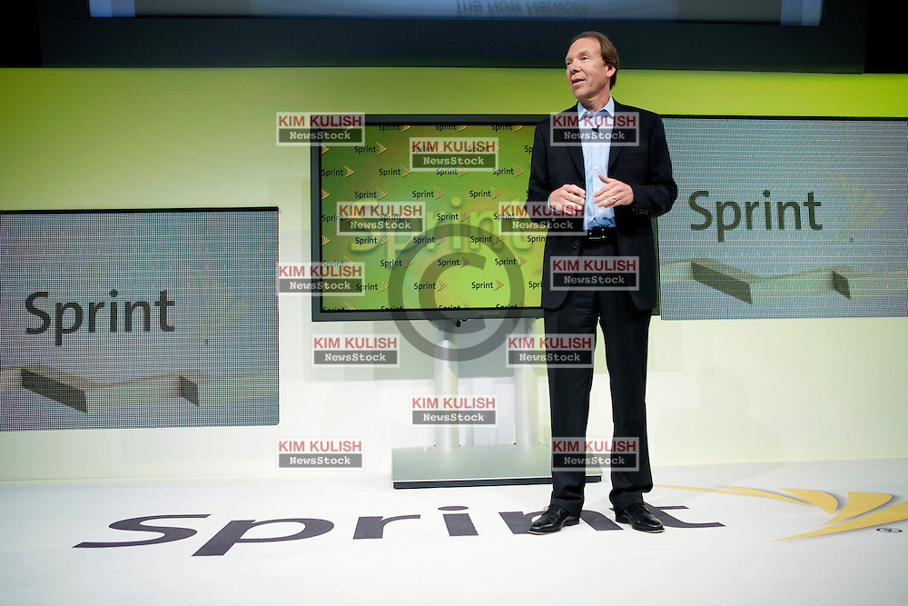 Dan Hesse, chief executive officer of Sprint Nextel Corp., speaks at a news conference in San Francisco.   Sprint Nextel Corp. announced the new 'Sprint ID' service that gives customers a way to instantly customize their mobile experience on their Google Android smartphone.