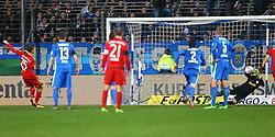10.02.2016, Rewirpower Stadion, Bochum, GER, DFB Pokal, VfL Bochum vs FC Bayern Muenchen, Viertelfinale, im Bild Manuel Riemann (#33, TW, VfL Bochum) haelt Elfmeter von Thomas Mueller (#25, FC Bayern Muenchen) // during German DFB Pokal quaterfinal match betwee VfL Bochum vs FC Bayern Munich at the Rewirpower Stadion in Bochum, Germany on 2016/02/10. EXPA Pictures © 2016, PhotoCredit: EXPA/ Eibner-Pressefoto/ Deutzmann<br /> <br /> *****ATTENTION - OUT of GER*****