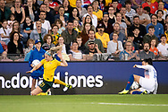 NEWCASTLE, NSW - NOVEMBER 13: Australian defender Ellie Carpenter (21) takes the ball past Chilean defender Camila Sáez (18) at the international women's soccer match between Australia and Chile at McDonald Jones Stadium in NSW, Australia. (Photo by Speed Media/Icon Sportswire)
