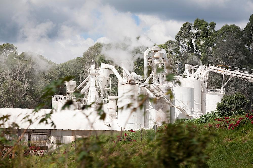 Formiga_MG, Brasil...Fabrica de cal em Formiga...A factory in Formiga...Foto: LEO DRUMOND / NITRO