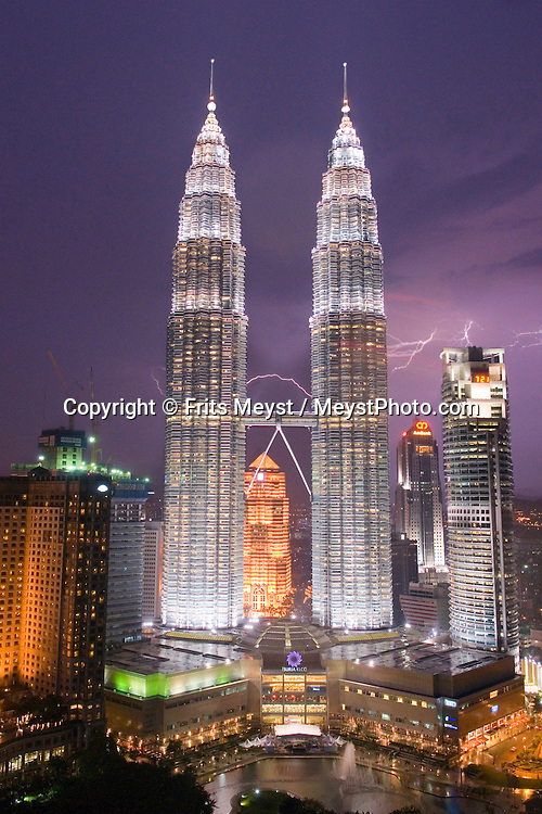 Kuala Lumpur, Malaysia, October 2010. The Petronas Towers are a major landmark in town. Kuala Lumpur, capital of the country, is a place full of modern architecture mixed in with old colonial style houses. Photo by Frits Meyst/Adventure4ever.com