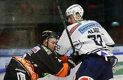 06.12.2015, Eisstadion Liebenau, Graz, AUT, EBEL, Moser Medical Graz 99ers vs EC VSV, 28. Runde, im Bild Kevin Mitchell (Moser Medical Graz 99ers) und Adis Alagic (EC VSV) // during the Erste Bank Icehockey League 28th Round match between Moser Medical Graz 99ers and EC VSV at the Ice Stadium Liebenau, Graz, Austria on 2015/12/06, EXPA Pictures © 2015, PhotoCredit: EXPA/ Erwin Scheriau