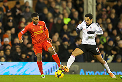 LONDON, ENGLAND - Wednesday, February 12, 2014: Liverpool's Daniel Sturridge in action against Fulham's Kieran Richardson during the Premiership match at Craven Cottage. (Pic by David Rawcliffe/Propaganda)
