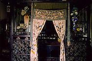 Mongolia. Ulaanbaatar. Palace of Bogdo Khan (last king of Mongolia), the queen's bedroom in the winter palace  Oulan Bator Ulan Baatar   Mongolia      /  palais du Bogdo Khan, (dernier roi de Mongolie). La chambre de la reine dans le palais d'hiver  Oulan Bator Ulan Baatar   Mongolie    /  L0006045   /  R20023/