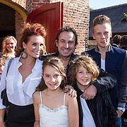 NLD/Laren/20130103 - Huwelijk Laura Ruiters, Leontien Borsato Ruiters, partner Marco Borsato en kinderen Luca, Senna en Jada