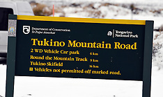 Waiouru-Snow blocks road to Tukino Ski Field trapping skiers