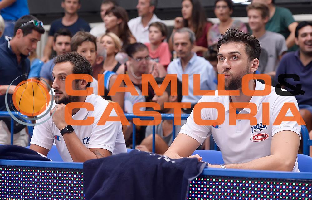 DESCRIZIONE : Trento Nazionale Italia Uomini Trentino Basket Cup Italia Paesi Bassi Italy Netherlands <br /> GIOCATORE : Marco Belinelli Andrea Bargnani<br /> CATEGORIA : Pregame before<br /> SQUADRA : Italia Italy<br /> EVENTO : Trentino Basket Cup<br /> GARA : Italia Paesi Bassi Italy Netherlands<br /> DATA : 30/07/2015<br /> SPORT : Pallacanestro<br /> AUTORE : Agenzia Ciamillo-Castoria/R.Morgano<br /> Galleria : FIP Nazionali 2015<br /> Fotonotizia : Trento Nazionale Italia Uomini Trentino Basket Cup Italia Paesi Bassi Italy Netherlands
