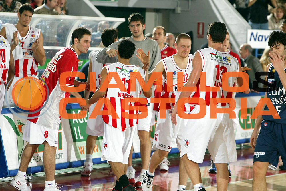 DESCRIZIONE : TERAMO CAMPIONATO ITALIANO A1 2004-2005<br />GIOCATORE : NAVIGO.IT TERAMO<br />SQUADRA : NAVIGO.IT TERAMO<br />EVENTO : CAMPIONATO ITALIANO A1 2004-2005<br />GARA : NAVIGO.IT TERAMO-CLIMAMIO BOLOGNA<br />DATA : 19/12/2004<br />CATEGORIA : <br />SPORT : Pallacanestro<br />AUTORE : Agenzia Ciamillo-Castoria