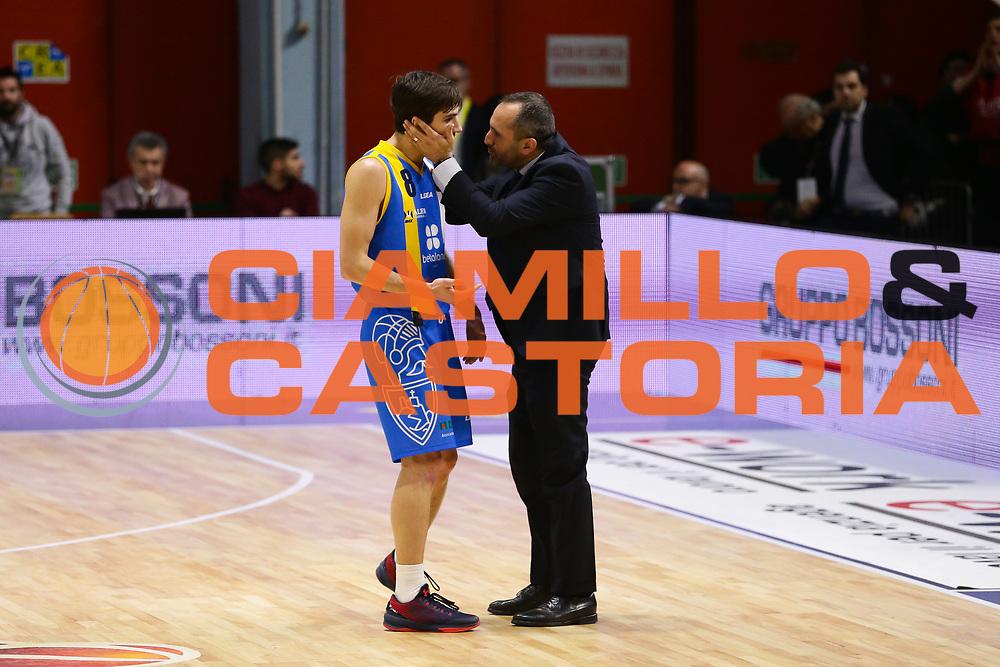 Gennaro Di Carlo Tommaso Laquintana<br /> Vanoli Cremona - Betaland Capo D Orlando<br /> Lega Basket Serie A 2016/2017<br /> Cremona 12/03//2017<br /> Foto Ciamillo-Castoria / M. Brondi