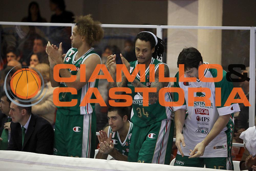 DESCRIZIONE : Brindisi Lega A 2010-11 Enel Brindisi Montepaschi Siena<br /> GIOCATORE : David Moss<br /> SQUADRA : Montepaschi Siena<br /> EVENTO : Campionato Lega A 2010-2011<br /> GARA : Enel Brindisi Montepaschi Siena<br /> DATA : 12/12/2010<br /> CATEGORIA : esultanza panchina<br /> SPORT : Pallacanestro<br /> AUTORE : Agenzia Ciamillo-Castoria/C.De Massis<br /> Galleria : Lega Basket A 2010-2011<br /> Fotonotizia : Brindisi Lega A 2010-11 Enel Brindisi Montepaschi Siena<br /> Predefinita :