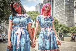 November 2, 2018 - Sao Paulo, Brazil - Participants of the Zombie Walk, public march of people dressed as zombies, gathered in the vicinity of the Valley of the Anhangabau, the event happens in several cities of the world since 2001, when it appeared in California. The event takes place in the capital of Sao Paulo since 2006 on the Day of the Dead. (Credit Image: © Dario Oliveira/ZUMA Wire)