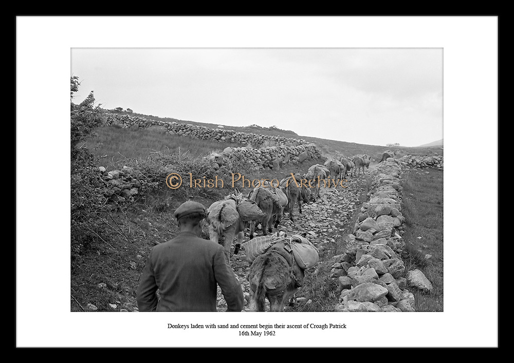 At Irish Photo Archive you can find the perfect creative gift for girls in your life. Select your favorite  Irish Historical Picture prints, from thousands of images of Ireland, available from Irish Photo Archive. Indulge Someone Special with the Perfect Irish Gift  from Irish Photo Archive.
