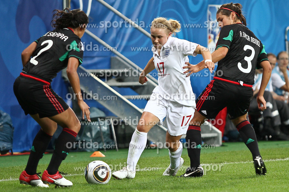 17.07.2010,  Augsburg, GER, FIFA U20 Womens Worldcup, England vs Mexico,  im Bild Sierra Bianca (Mexico Nr.2) Isobel Christiansen (England Nr.17) und Garciamendez Alina (Mexico Nr.3)  , EXPA Pictures © 2010, PhotoCredit: EXPA/ nph/ . Straubmeier+++++ ATTENTION - OUT OF GER +++++ / SPORTIDA PHOTO AGENCY