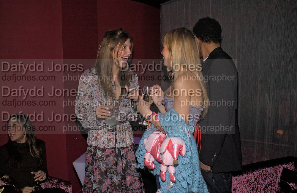 Amanda Shepherd ( left) . Party organised by Beat, hosted by Panerai and the Baglione Hotel. London. 6 December 2004. ONE TIME USE ONLY - DO NOT ARCHIVE  © Copyright Photograph by Dafydd Jones 66 Stockwell Park Rd. London SW9 0DA Tel 020 7733 0108 www.dafjones.com