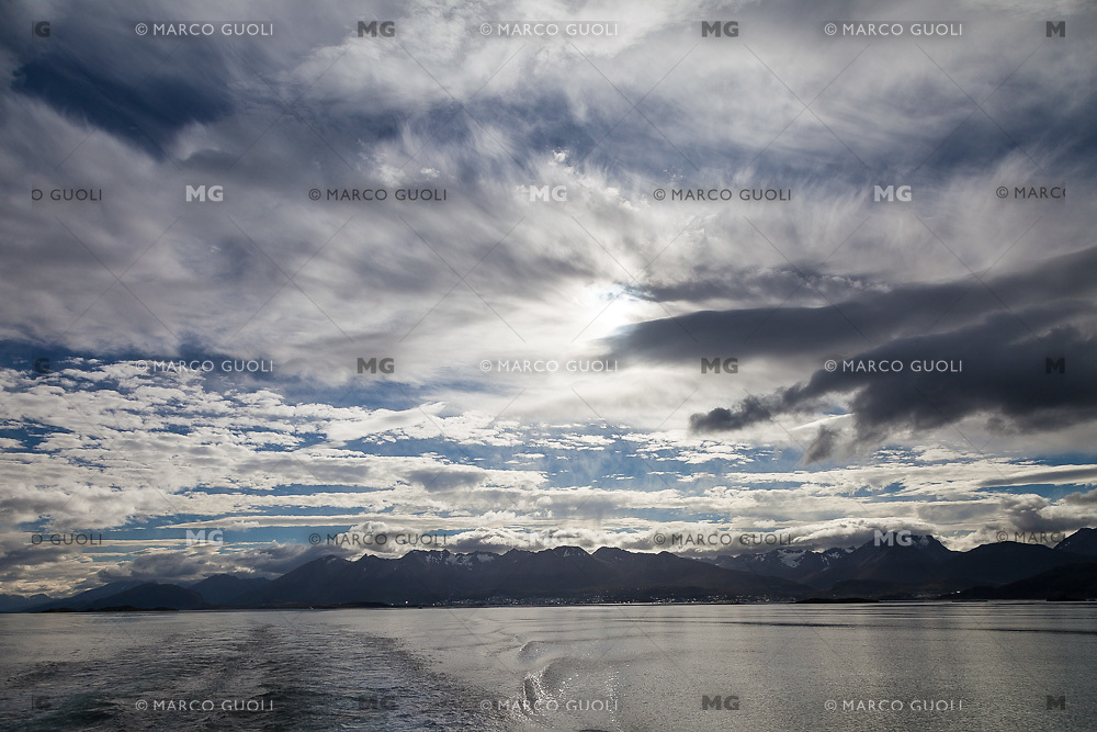 CANAL BEAGLE, USHUAIA, PROVINCIA DE TIERRA DEL FUEGO, ARGENTINA (PHOTO BY © MARCO GUOLI - ALL RIGHTS RESERVED. CONTACT THE AUTHOR FOR ANY KIND OF IMAGE REPRODUCTION)