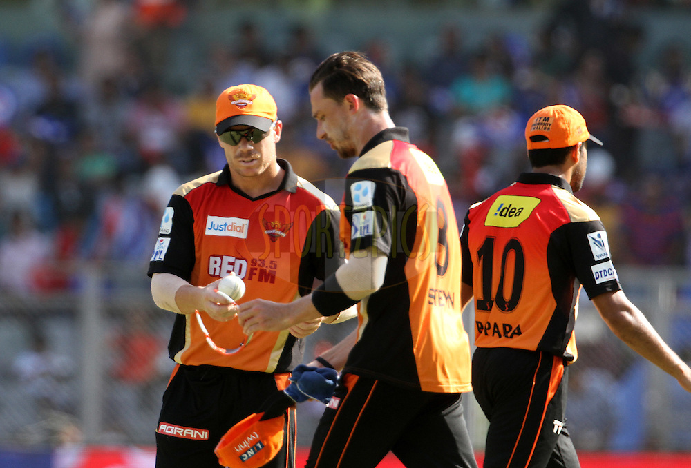 Sunrisers Hyderabad player David Warner and Sunrisers Hyderabad player Dale Steyn during match 23 of the Pepsi IPL 2015 (Indian Premier League) between The Mumbai Indians and The Sunrisers Hyderabad held at the Wankhede Stadium in Mumbai India on the 25th April 2015.<br /> <br /> Photo by:  Vipin Pawar / SPORTZPICS / IPL