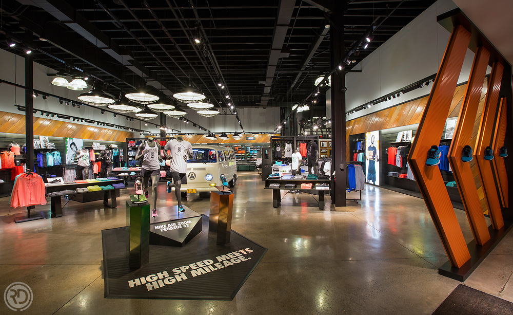 Pre Classic 2015<br /> Nike Running Store<br /> Eugene, OR<br /> May 30, 2015<br /> The Space<br /> <br /> Image © Ross Dettman