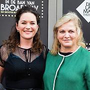 NLD/Amsterdam/20150604 - Premiere In de Ban van Broadway, Maike Meijer en Anneke Blok