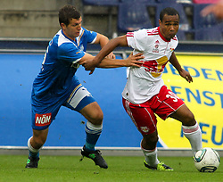 18.09.2011, Red Bull Arena, Salzburg, AUT, 1.FBL, Red Bull Salzburg vs SC Wiener Neustadt, im Bild Andreas Schicker, (SC Wiener Neustadt, #16) und Leonardo, (Red Bull Salzburg, #30), EXPA Pictures © 2011, PhotoCredit: EXPA/ R. Hackl