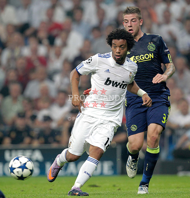 15.09.2010, estadio Santiago Bernabeu, Madrid, ESP, UEFA Champions League, Real Madrid vs Ajax Amsterdam, im Bild Marcelo and Toby Alderweireld. EXPA Pictures © 2010, PhotoCredit: EXPA/ Alterphotos/ Cesar Cebolla +++++ ATTENTION - OUT OF SPAIN / ESP +++++