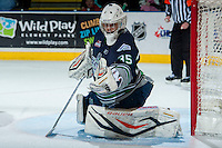 KELOWNA, CANADA -FEBRUARY 10: Taran Kozun #35 of the Seattle Thunderbirds makes a save against the Kelowna Rockets on February 10, 2014 at Prospera Place in Kelowna, British Columbia, Canada.   (Photo by Marissa Baecker/Getty Images)  *** Local Caption *** Taran Kozun;