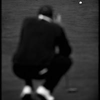 Nederland, Hilversum, 12 oktober 2003.<br /> Golf, Dutch Open, European Tour 2003.<br /> Winnaar Maarten Lafeber beoordeelt de te varen koers voor de put.<br /> Foto:Klaas Jan van der Weij.