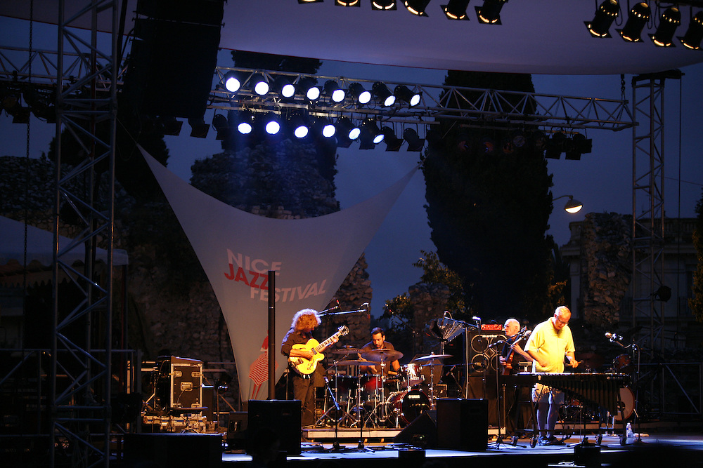 Cimiez-Nice, France. July 25th 2008..Gary Burton Quartet Revisited at the Nice Jazz Festival..From left to right: Pat Metheny (guitar), Antonio Sanchez (drums), Steve Swallow (bass), Gary Burton (vibraphone)...