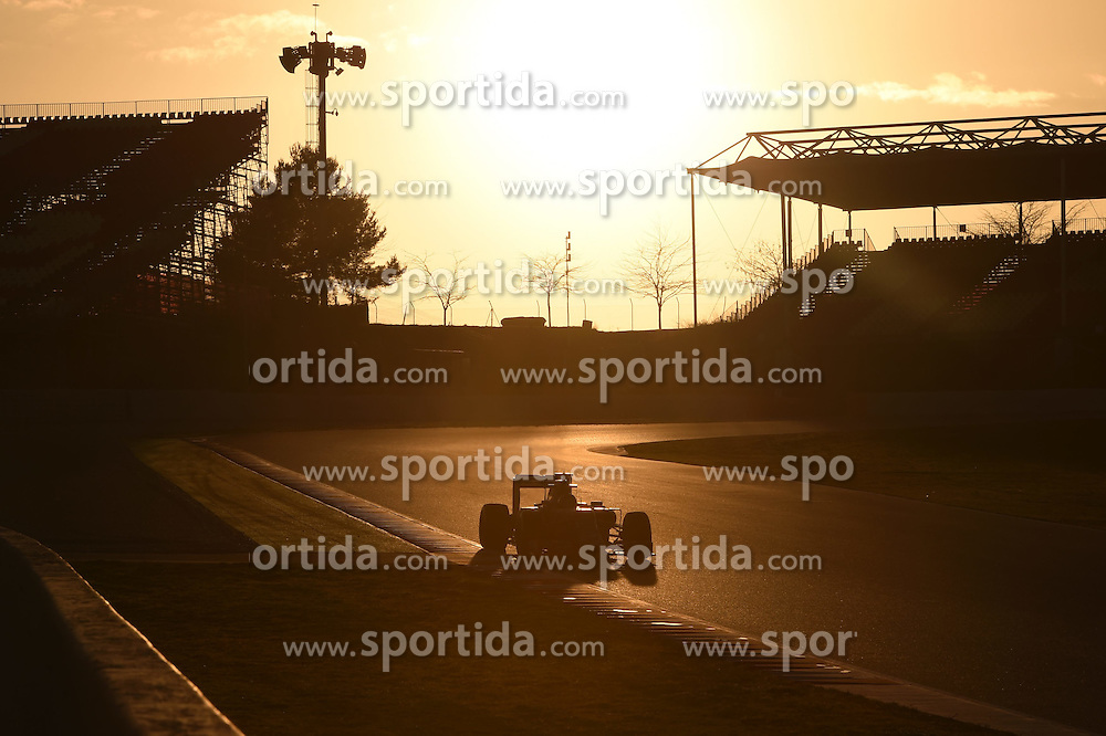 27.02.2015, Circuit de Catalunya, Barcelona, ESP, FIA, Formel 1, Testfahrten, Barcelona, Tag 2, im Bild Daniil Kvyat (RUS) Red Bull Racing RB11 // during the Formula One Testdrives, day two at the Circuit de Catalunya in Barcelona, Spain on 2015/02/27. EXPA Pictures &copy; 2015, PhotoCredit: EXPA/ Sutton Images/ Mark Images<br /> <br /> *****ATTENTION - for AUT, SLO, CRO, SRB, BIH, MAZ only*****
